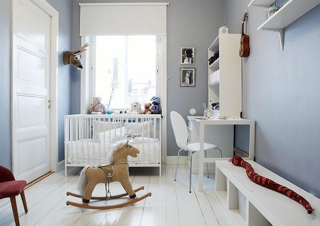Stilvolle Kinderzimmer mit Pferdschaukel