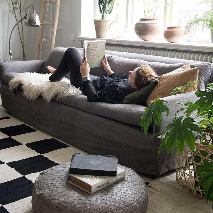 Mach es gemütlich auf der Couch