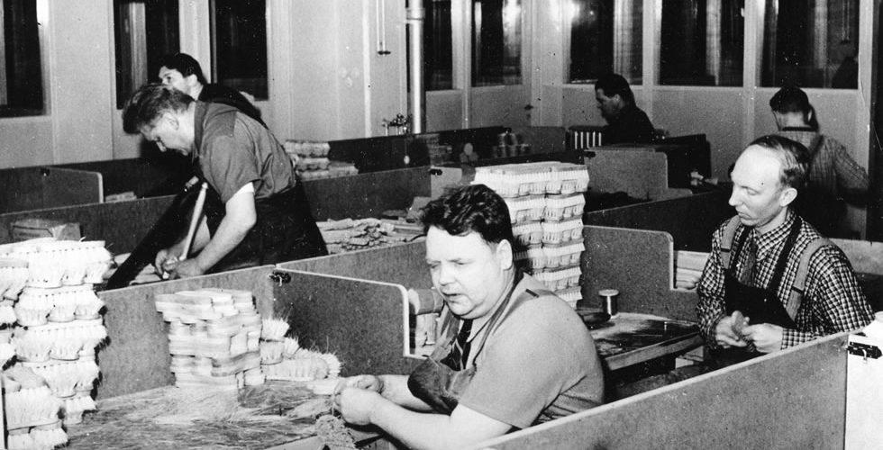 Herstellung von Bürste in Schwedische Fabrik iris hantverk