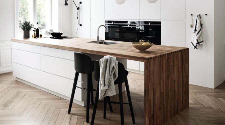 Dänische Küchenschränke als Kleiderschrank